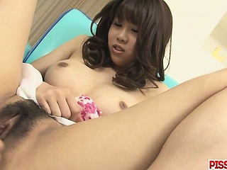 Busty Babe Ririka Suzuki Gets Fingered To Shinny up