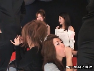 Teen asians sucking loaded shafts yon foursome at sex game