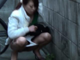 Japanese watersports lassie pees in public