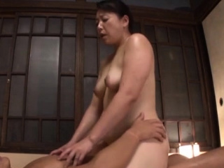 Unnerved oriental mature gets the brush mouth and pussy fucked