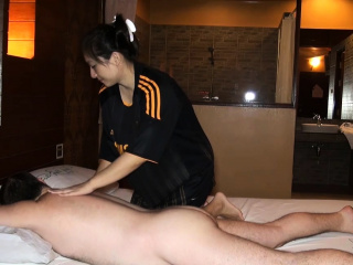 Big butt Asian amateur oily massage and fucked on make aware of